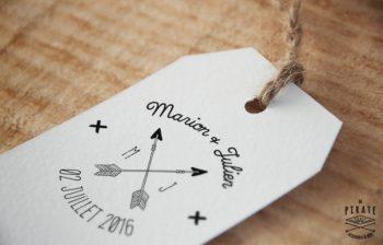 Creation de Tampon Mariage en bois personnalise avec prenoms Fleche Initiale Simple
