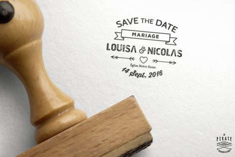 Tampon Mariage personnalise avec prenoms Save the Date Hipster Bannière et Flèches