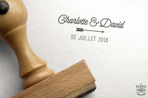 Tampon mariage personnalisé au design Vintage prénoms et flèche