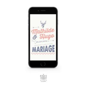 Envie d'un save the date à envoyer rapidement pour votre mariage vintage ? Ce Save the date au format JPG vous permettra d'envoyer par e-mail ou SMS l'annonce de votre mariage vintage, personnalisé de sa tête de cerf - La Pirate