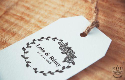 Tampon mariage en bois personnalisé Prénoms et Date du Mariage - Mariage Shabby Chic couronne champêtre