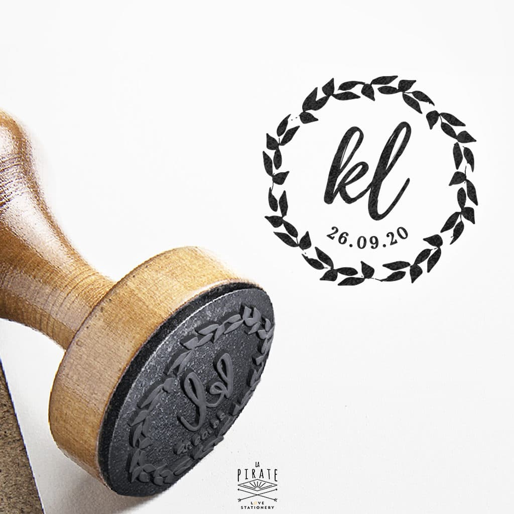 Tampon Mariage initiales Couronne Végétale - La Pirate