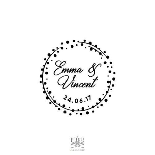 Tampon Mariage Couronne de Petits Pois personnalisé de vos prénoms et date de mariage, pour votre mariage vintage - La Pirate