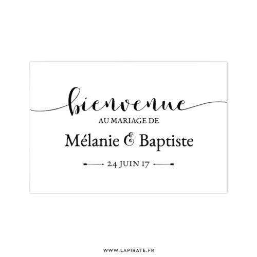 Stickers Bienvenue au mariage personnalisé, pour décorer l'entrée de votre lieu de mariage vintage, noir sur fond blanc - La Pirate