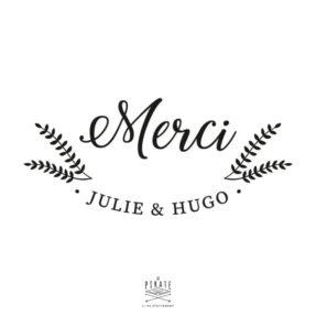 Stickers Urne Merci à personnaliser avec vos prénoms, pour la décoration de votre urne de mariage sur le thème Hiver, hivernal, montagne - La Pirate