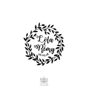 Tampon mariage couronne végétale personnalisé de vos prénoms au centre de sa couronne de feuilles sauvages - La pirate