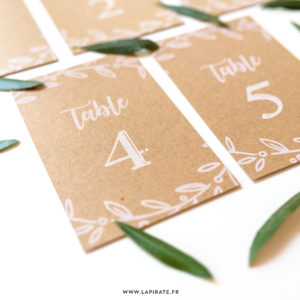 Numéros de table pour votre mariage champêtre, impression en blanc sur papier kraft recyclé