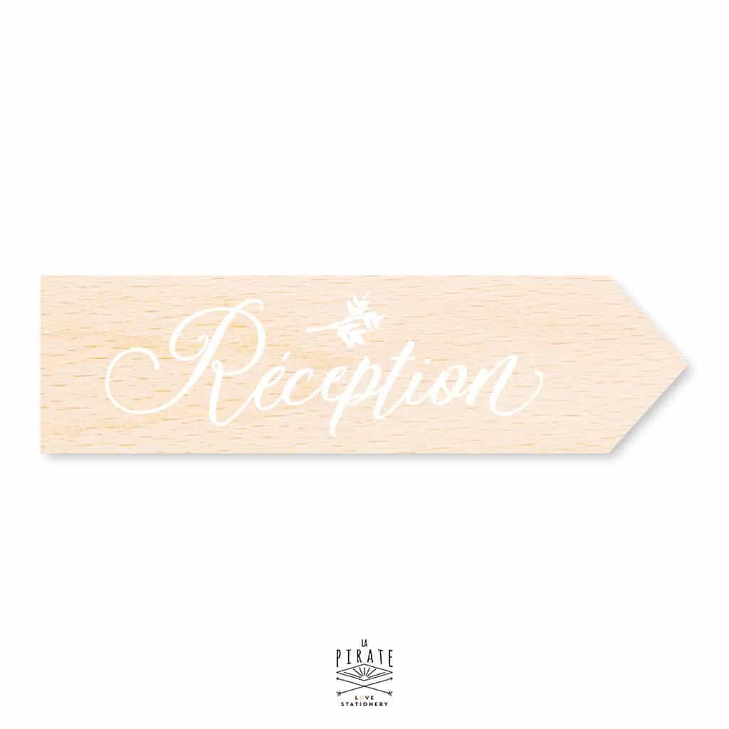 Flèche bois Mariage personnalisée, calligraphie vintage Reception - La Pirate
