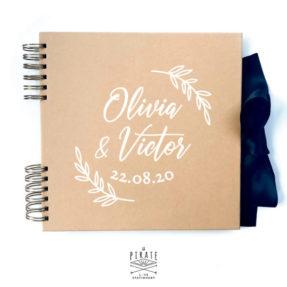 Livre d'or champêtre, en kraft et blanc, personnalisé de son motif fine branche pour récolter les voeux lors de votre mariage champêtre - La Pirate