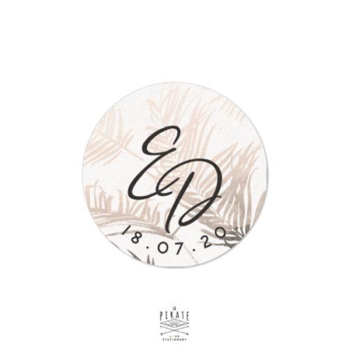Stickers rond mariage pampa coloré, personnalisé avec vos initiales pour votre thème bohème et naturel, motif sauvage herbes de la pampa - La Pirate