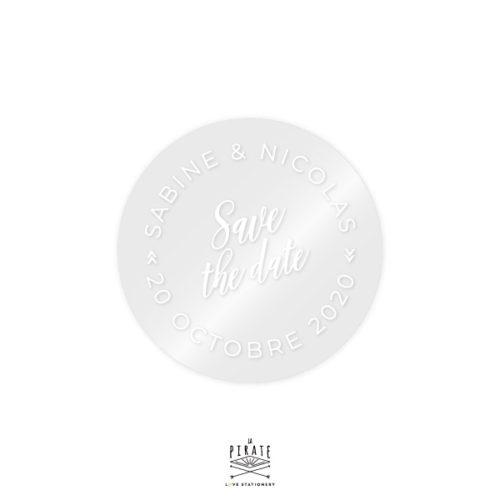 Stickers mariage rond transparent et blanc, personnalisé avec vos prénoms, love is in the air. Thème mariage vintage