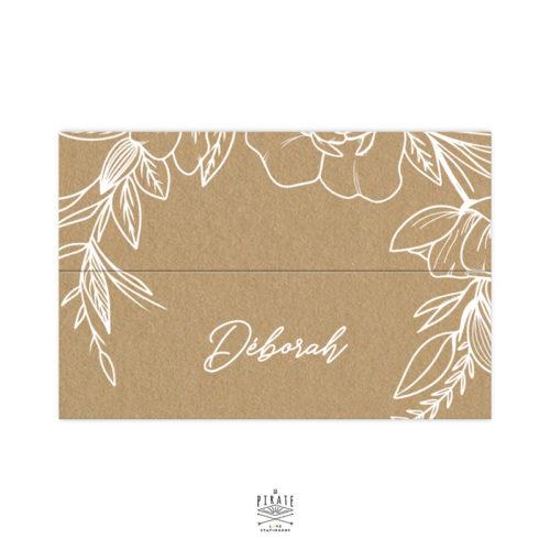 Marque-places cavalier personnalisés mariage bohème, kraft et blanc - Couronne florale, livré à plat - Collection Camélia