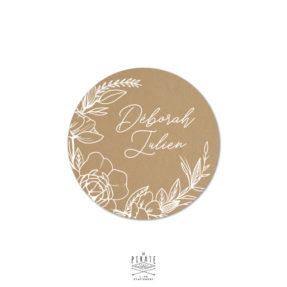 Stickers rond mariage bohème et fleuri personnalisé, effet kraft texte blanc - La Pirate