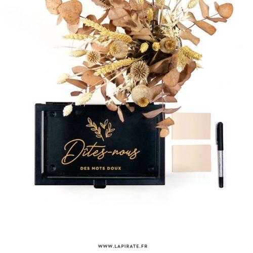 Stickers Dîtes-nous des mots doux, à apposer sur livre d'or, boite en verre, panneau bois. Format et couleur au choix