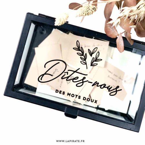 Stickers Dîtes-nous des mots doux, à apposer sur livre d'or, boite en verre, panneau bois. Plusieurs formats et coloris