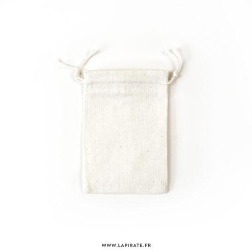 Pochon en coton fin, naturel, à personnaliser grâce à nos tampons bois et encre textile - 7x9 cm