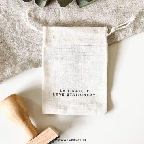Pochon en coton fin, naturel, à personnaliser grâce à nos tampons encreur et encre tissu - format 7x9 cm