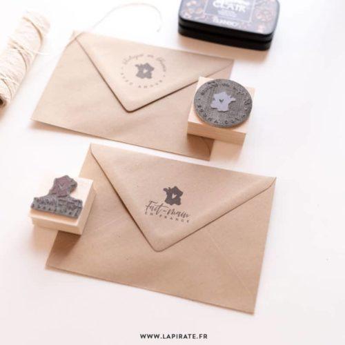 Tampon Fait-main en France, tampon packaging - La Pirate