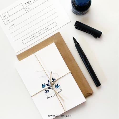 """Carte postale """"D'amour et d'eau fraîche"""" - pot à eau vintage, aquarelle , peint à la main - enveloppe kraft offerte - La Pirate"""